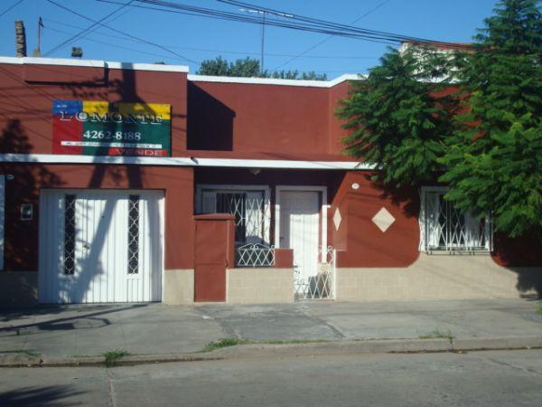 Tipo casa con garage buscadorprop for Casa con garage laterale