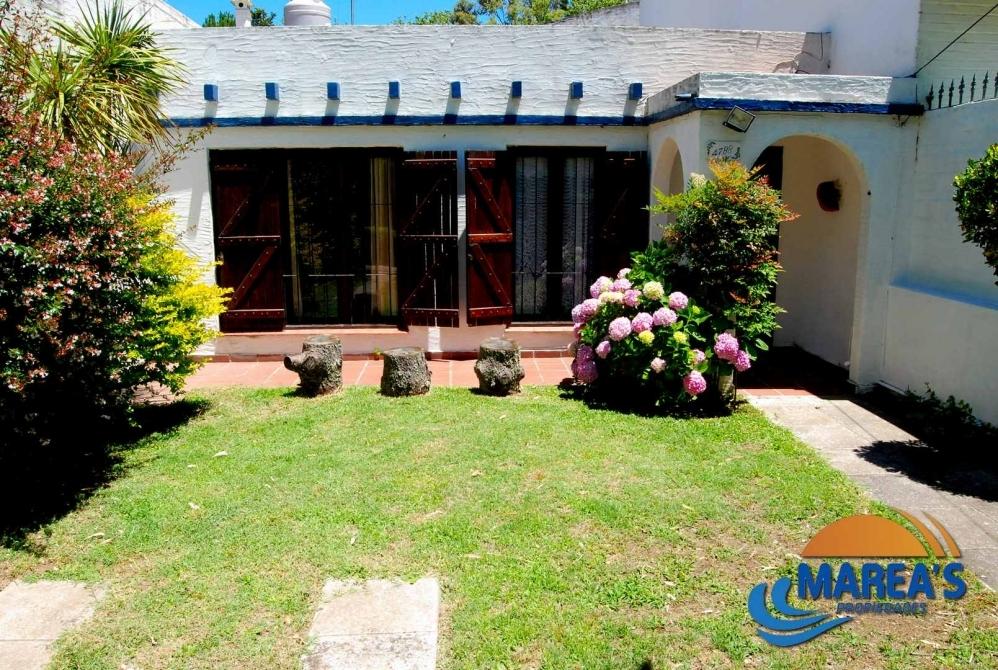 Casa en plata baja con espacio verde para 4 5 pasajeros estacionamiento marea s propiedades - Inmobiliaria marea ...