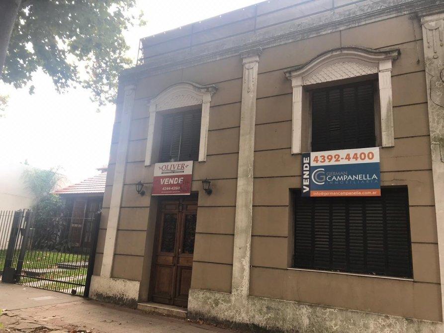 Casa antigua remodelada en zona residencial banfield for Casas antiguas remodeladas