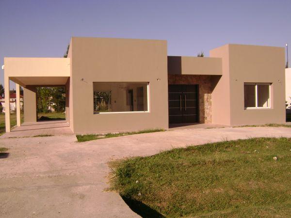 Casa minimalista a estrenar en barrio malibu bajas for Casa minimalista caracteristicas
