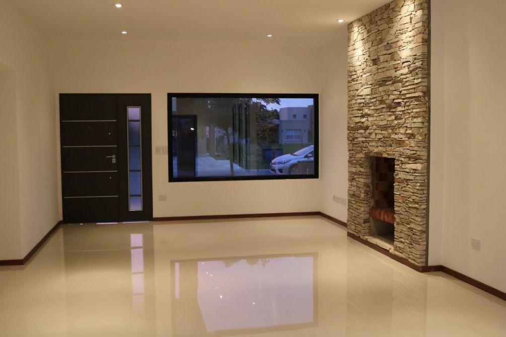 Hermosa casa estilo minimalista con alta calidad for Muebles echeverria