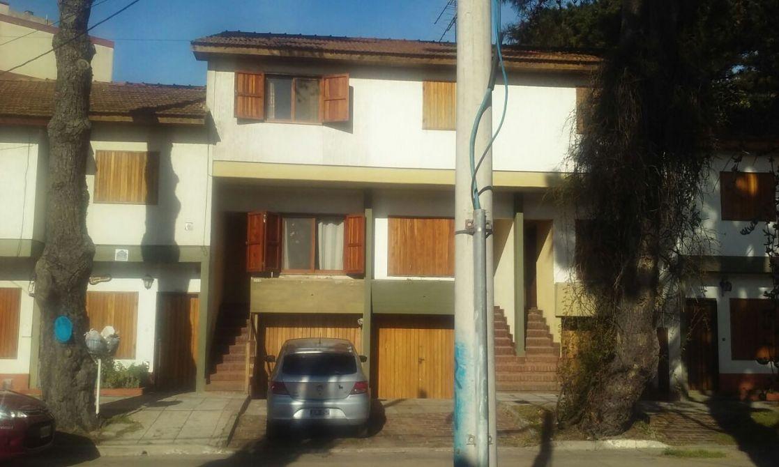 D plex garage y patio con parrilla buscadorprop for Duplex con garage