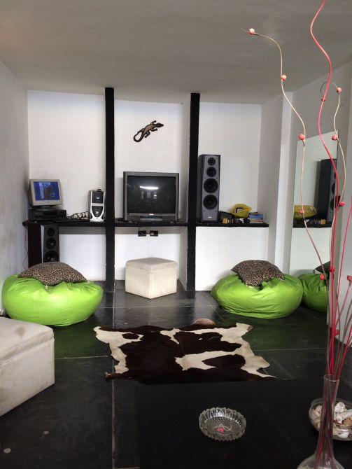 Burzaco casa en exc estado estilo moderno minimalista for Casa minimalista 3 dormitorios
