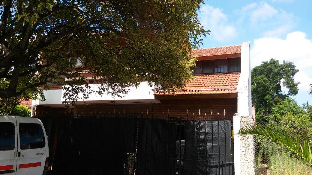 Importante chalet en zona residencial temperley for Muebles de cocina zona sur lomas de zamora