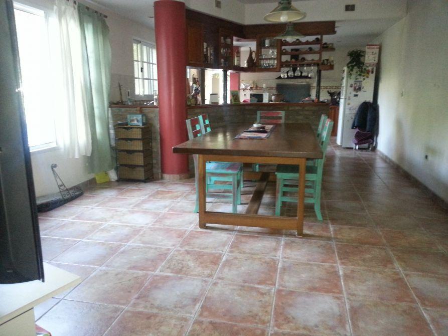 Casa 4 ambientes con garaje  BuscadorProp