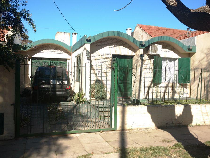 Venta casa 3 ambientes monte grande apto credito for Inmobiliaria 3 casas