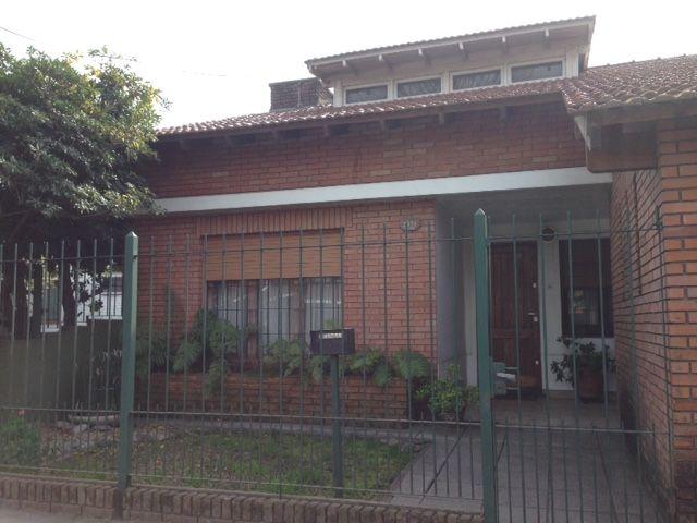Casa en jose marmol almirante brown buscadorprop for Casas en jose marmol