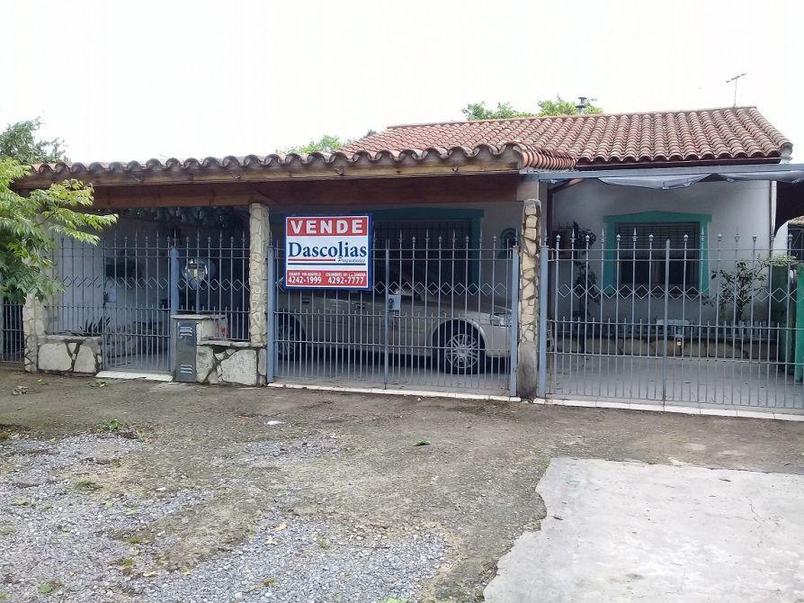 Casa al frente con garage en excelente ubicacion for Piani casa con breezeway al garage