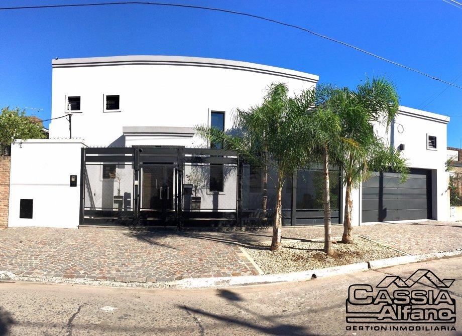 Casa tipo minimalista 2 plantas 5 ambientes garage p 2 for Casa minimalista caracteristicas